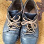 靴磨きと靴紐付替え